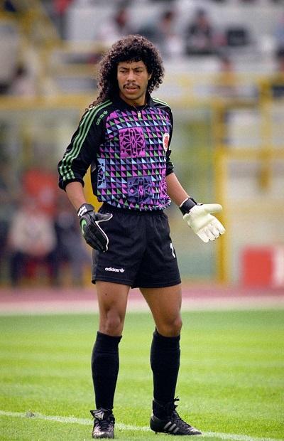 Soccer - World Cup Italia 90 - Yugoslavia v Colombia
